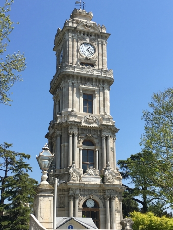Дворец Долмабахче - часы